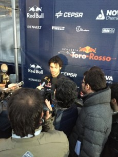 Autograph Collecting during F1 Winter testings in Spain